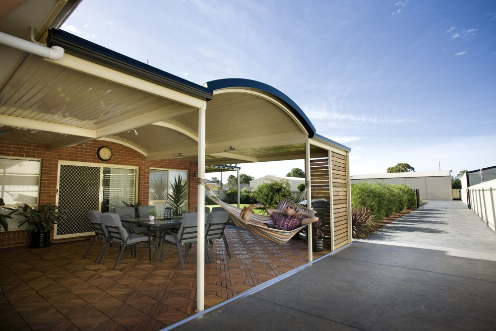 Stratco outback verandah patio and carport system for Pool builders yatala